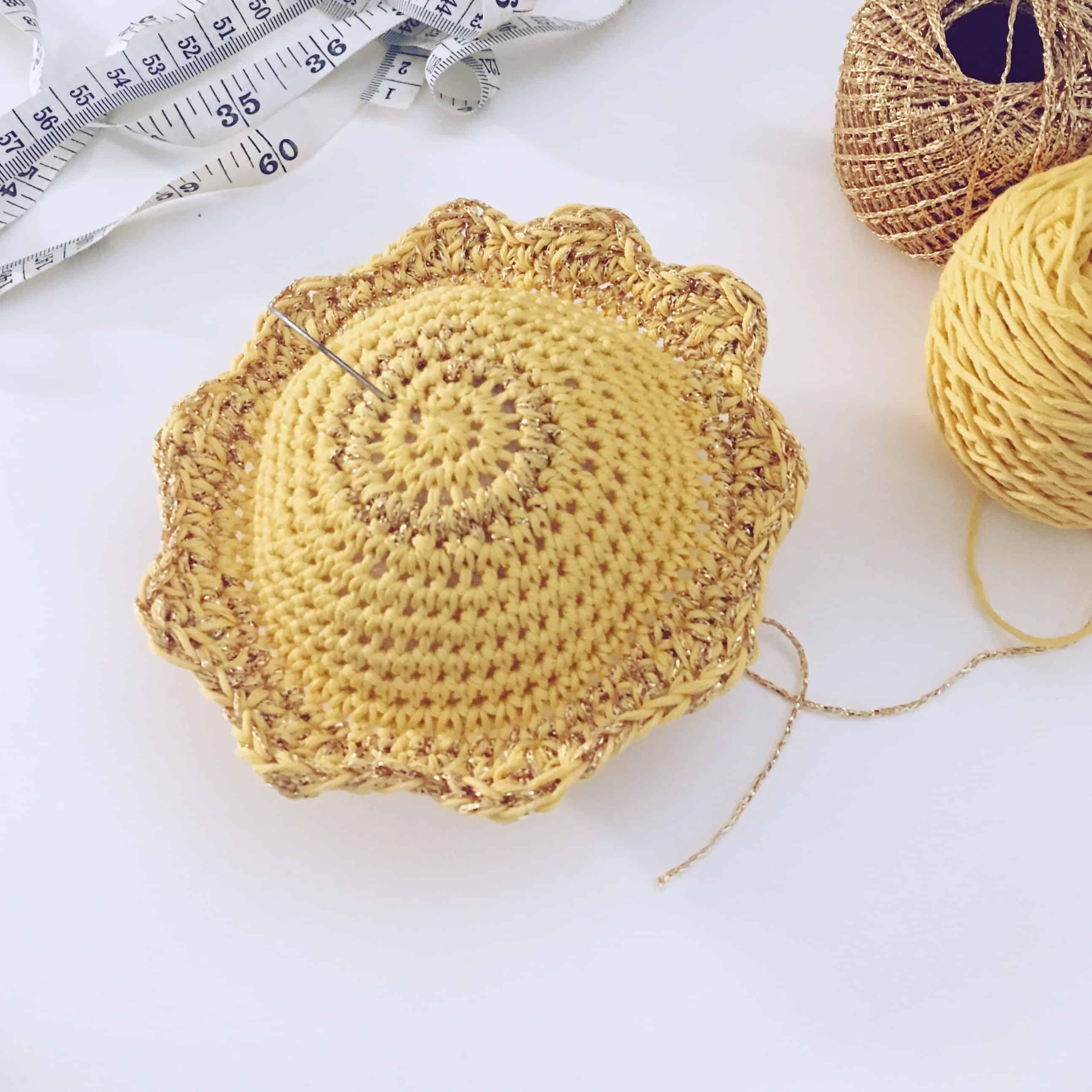 Pin me Sunshinecrochet pin-cushion by doradoes.co.uk