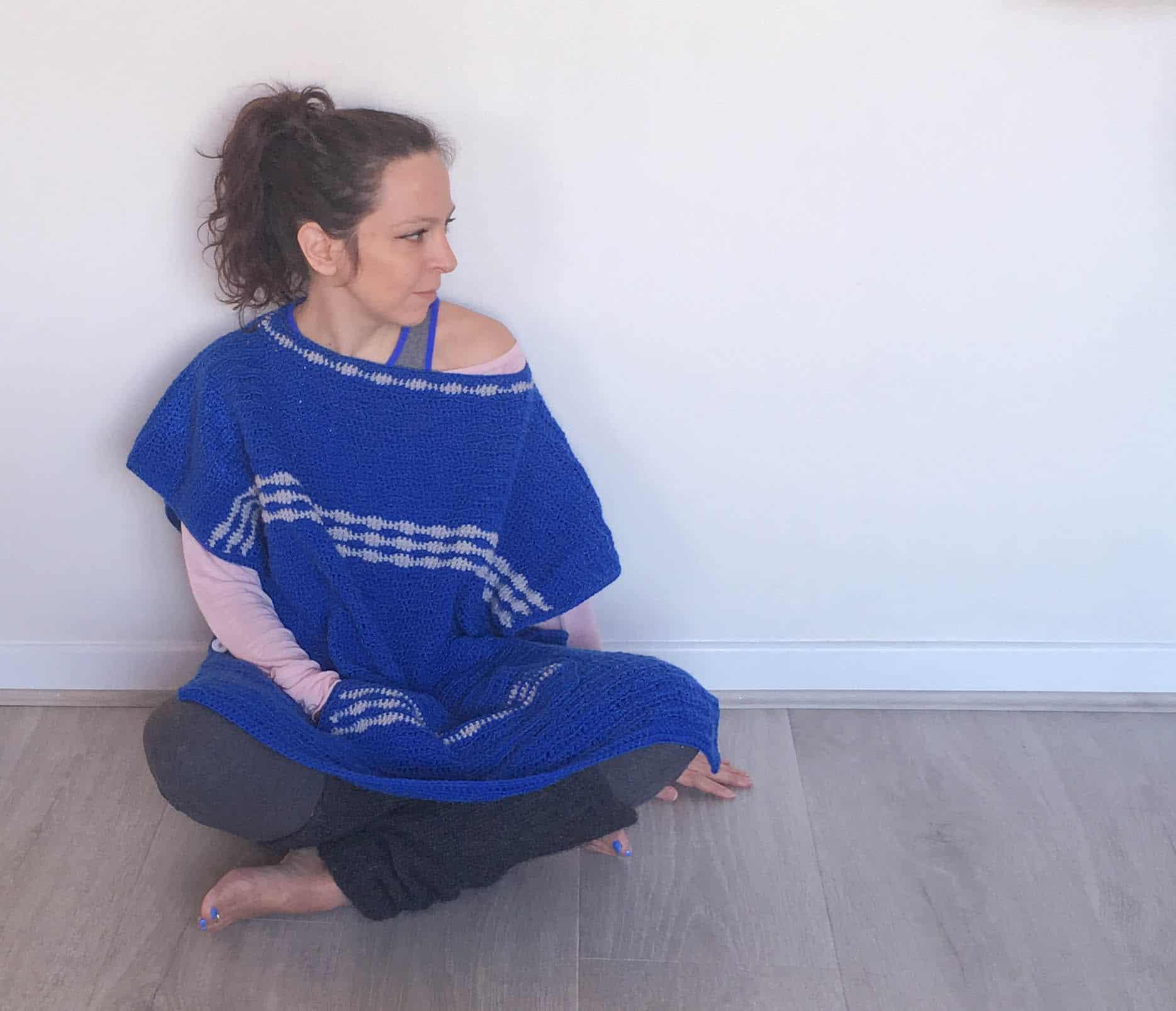 Crochet Poncho pockets stripes pattern