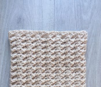 crochet cowl mesh texture cable lines