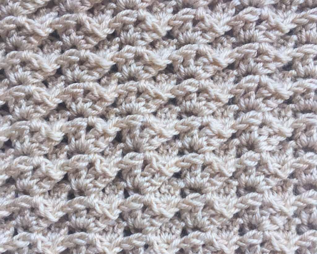 horizontal crochet cowl textured stitch